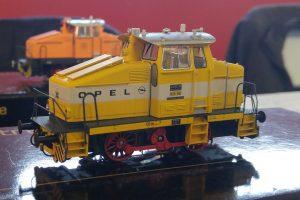 V28-102 Hobby Trade
